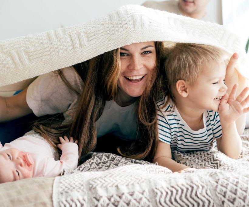 7 brincadeiras para fazer com as crianças antes que elas cresçam