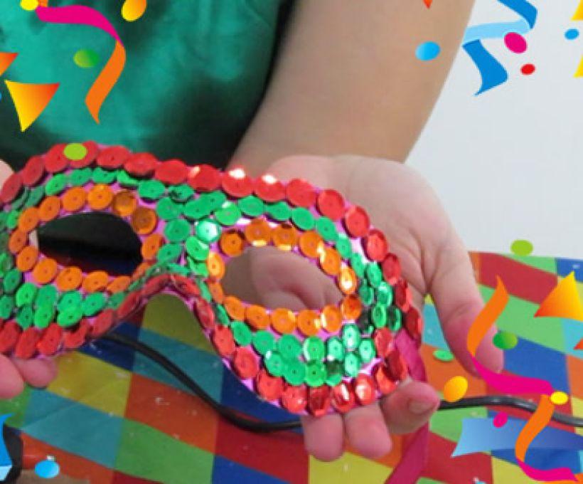 Faça sua própria máscara de Carnaval